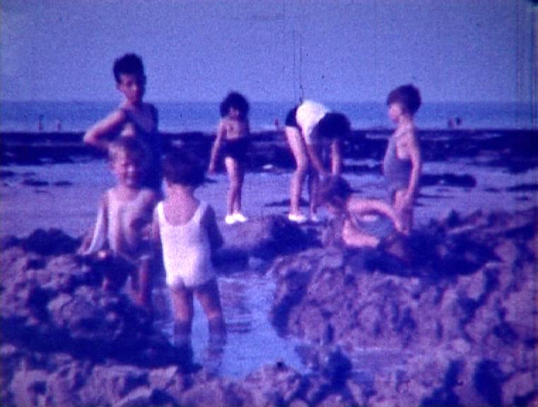 Photogramme issu du film « Enfants à Puys » de Robert Absire, 1938, couleur © Pôle Image Haute-Normandie