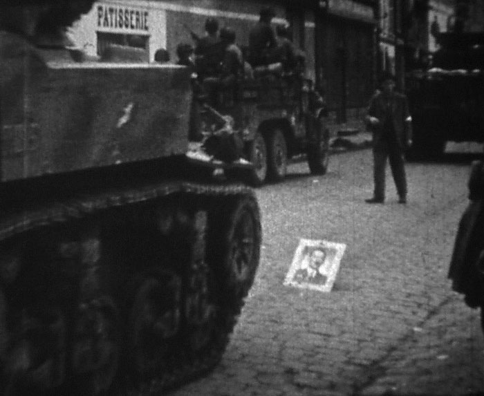 Libération de Conches en Ouche, réalisateur : Pierre le Bihan, 8mm, 1944 ©MAHN / POLE IMAGE HAUTE-NORMANDIE