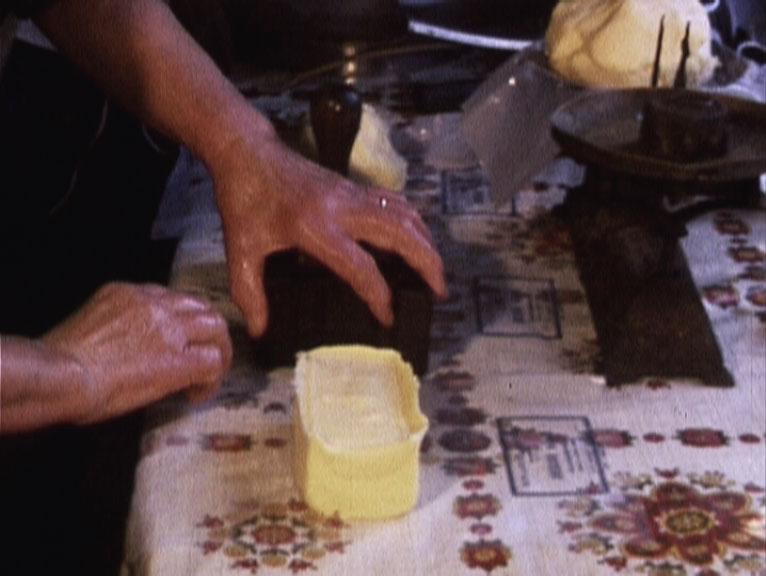 Comment Madame Duchesne fait son beurre, réalisation : Maurice Dragon, 1977, Super 8mm, sonore ©MAHN/POLE IMAGE HAUTE-NORMANDIE